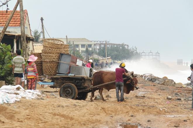 Công an các tỉnh khu Nam Trung bộ ứng phó cơn bão số 6 - Ảnh minh hoạ 4
