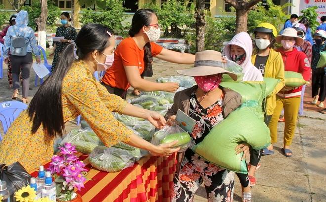 """Thầy trò trường chuyên ở Phú Yên thiết lập """"ATM gạo"""" hỗ trợ người nghèo - Ảnh minh hoạ 2"""