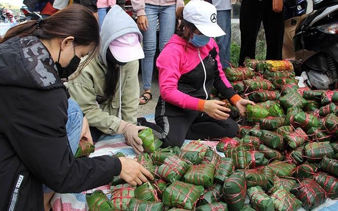 Bánh chưng, bánh tét Phú Yên gửi về vùng lũ - Ảnh minh hoạ 3