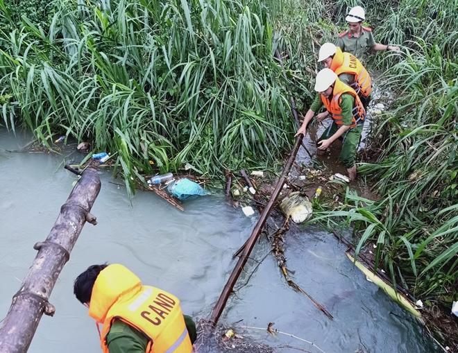 Giúp dân bớt khó khăn sau bão - Ảnh minh hoạ 9
