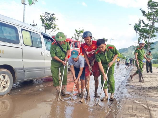 Giúp dân bớt khó khăn sau bão - Ảnh minh hoạ 16