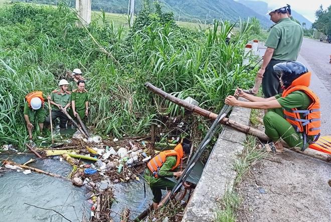 Giúp dân bớt khó khăn sau bão - Ảnh minh hoạ 8