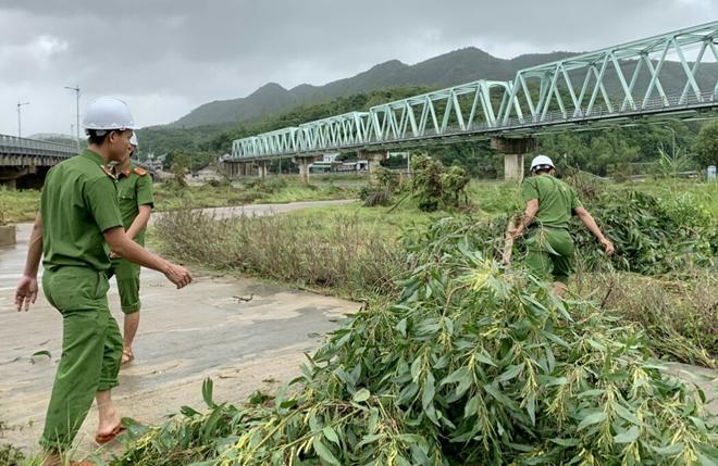 Giúp dân bớt khó khăn sau bão - Ảnh minh hoạ 7