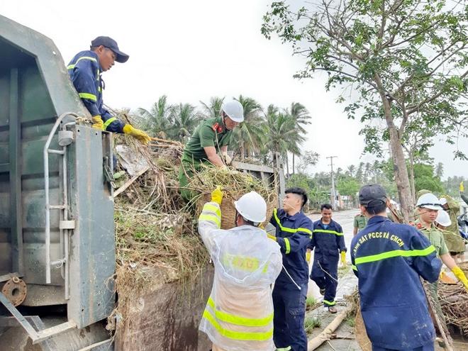 Giúp dân bớt khó khăn sau bão - Ảnh minh hoạ 13