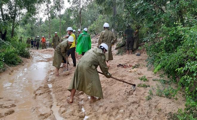 Giúp dân bớt khó khăn sau bão - Ảnh minh hoạ 11