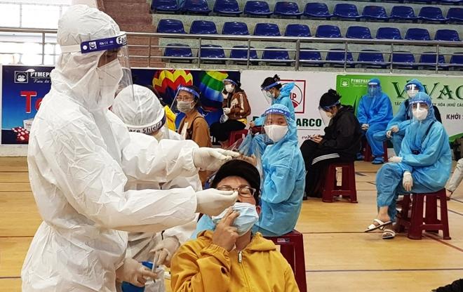 CSGT Phú Yên dẫn đường đoàn xe khách đưa 400 người dân về quê an toàn - Ảnh minh hoạ 9