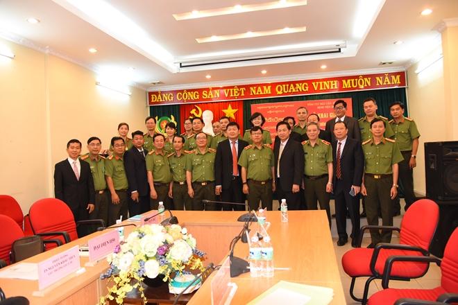 Khai giảng lớp nghiệp vụ Khoá 2- 2017 cho cán bộ y tế Bộ Nội vụ Campuchia - Ảnh minh hoạ 2