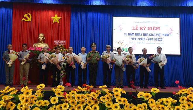 Các trường Công an Nhân dân tri ân ngày Nhà giáo Việt Nam - Ảnh minh hoạ 4