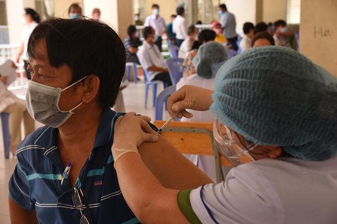 6 đội tiêm của Bệnh viện 30-4 tham gia chiến dịch tiêm phòng COVID-19 - Ảnh minh hoạ 3