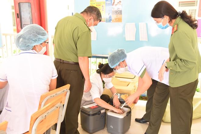 6 đội tiêm của Bệnh viện 30-4 tham gia chiến dịch tiêm phòng COVID-19 - Ảnh minh hoạ 4