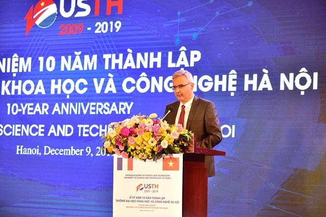 Ngài Nicolas Warnery, Đại sứ đặc mệnh toàn quyền Pháp tại Việt Nam phát biểu tại lễ kỷ niệm