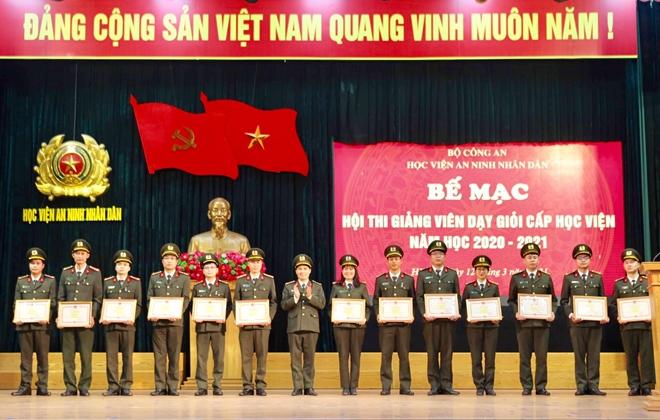 Học viện ANND khen thưởng các giảng viên dạy giỏi - Ảnh minh hoạ 3