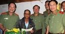 Thứ trưởng Nguyễn Văn Thành thăm, tặng quà cho cán bộ hưu trí khó khăn
