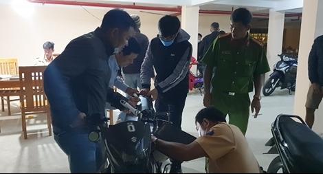 Trấn áp nhóm thanh thiếu niên tụ tập đua xe ở Lâm Đồng