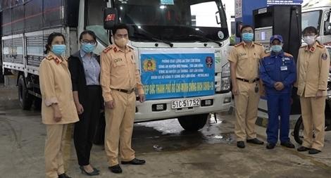 Chuyến xe yêu thương tiếp sức TP Hồ Chí Minh chống dịch