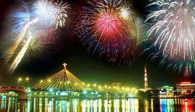 Image result for du lịch Đà Nẵng bắn pháo hoa