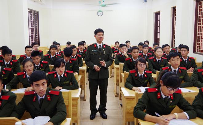 Thầy giáo an ninh trẻ và bí quyết truyền cảm hứng học tập