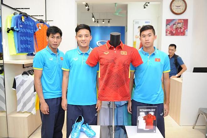 Biểu tượng chiến thắng trên áo đội tuyển bóng đá Việt Nam