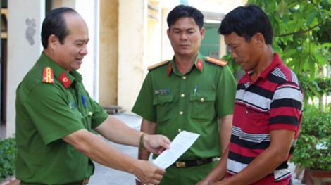 Người trưởng Công an huyện nhiệt huyết ở vùng Đồng Tháp Mười