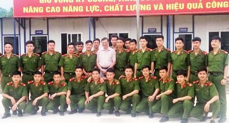 Tiểu đoàn Cảnh sát cơ động có nhiều chiến sỹ thi đại học đạt điểm cao1