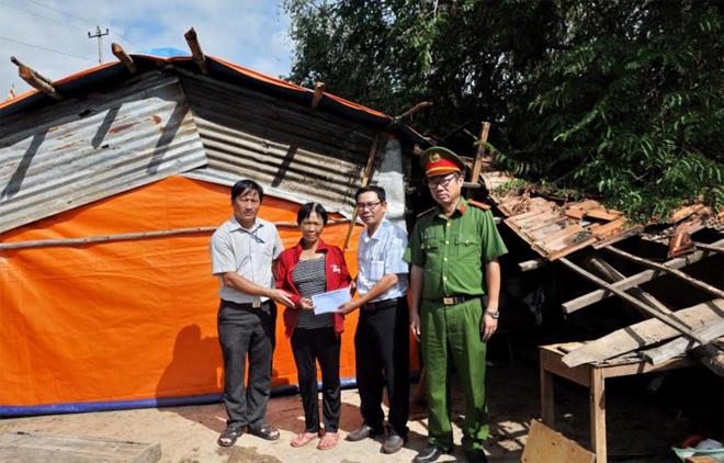 Hỗ trợ đồng bào bị thiệt hại do bão số 12 - Ảnh minh hoạ 4
