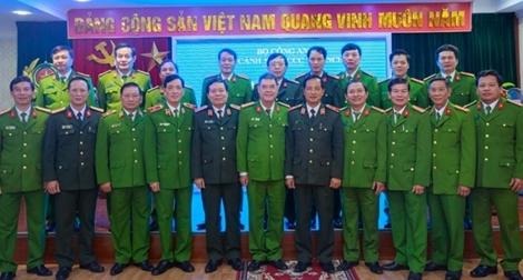Xây dựng lực lượng Cảnh sát phòng cháy thân thiện, vì nhân dân phục vụ