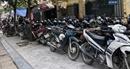 """Kiểm tra các bãi trông giữ xe tại Hà Nội:""""Sờ"""" đâu cũng thấy sai phạm"""