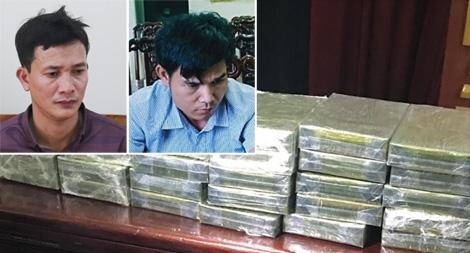 Khen thưởng các đơn vị bắt giữ 2 đối tượng vận chuyển 30 bánh heroin