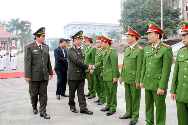 Công bố quyết định bổ nhiệm hai Phó giám đốc Công an tỉnh Lào Cai - Ảnh minh hoạ 2