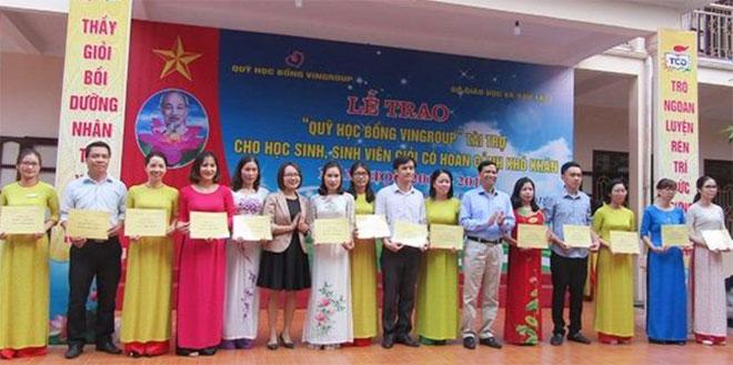 Tập đoàn Vingroup tài trợ học bổng cho học sinh, sinh viên nghèo học giỏi