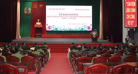 Công an tỉnh Lào Cai khai giảng lớp cao cấp lý luận chính trị đợt 2 năm 2018
