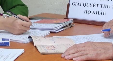 Công an thị xã Phú Thọ lắng nghe ý kiến nhân dân