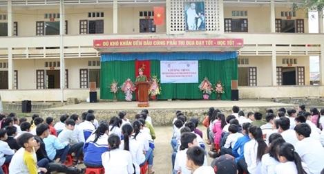 Sôi nổi hoạt động tình nguyện mùa đông tại xã Cẩm Liên, huyện Cẩm Thủy
