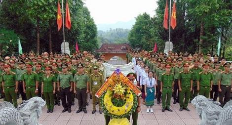 """Tuổi trẻ Công an Quảng Nam sôi nổi hoạt động """"Về nguồn"""""""