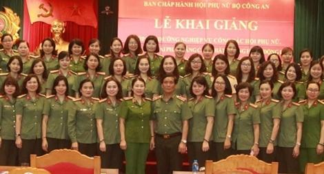 Bồi dưỡng nghiệp vụ công tác Hội Phụ nữ