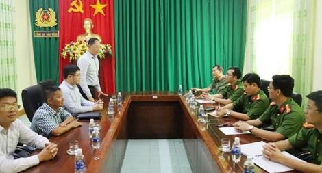PVOIL chúc mừng CA Đắk Nông đã triệt phá đường dây xăng giả