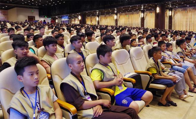 Tuyên truyền về ATGT cho học sinh, sinh viên tham gia khóa tu tại chùa Tam Chúc