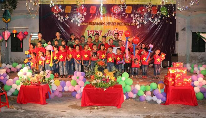 Mang trung thu đến với trẻ em nghèo, mồ côi - Ảnh minh hoạ 8