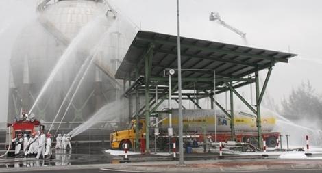 Xử lý tình huống cháy, ứng phó sự cố hóa chất tại Nhà máy sản xuất Amon Nitrat