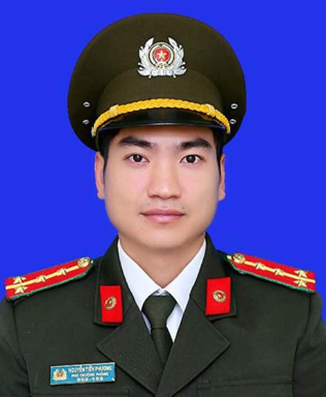 Đại uý Nguyễn Tiến Phương.