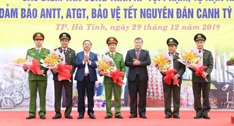 Bộ Công an khen thưởng Công an Hà Tĩnh phá chuyên án lừa đảo