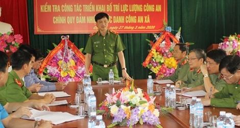 Thứ trưởng Nguyễn Duy Ngọc làm việc tại Công an tỉnh Hòa Bình