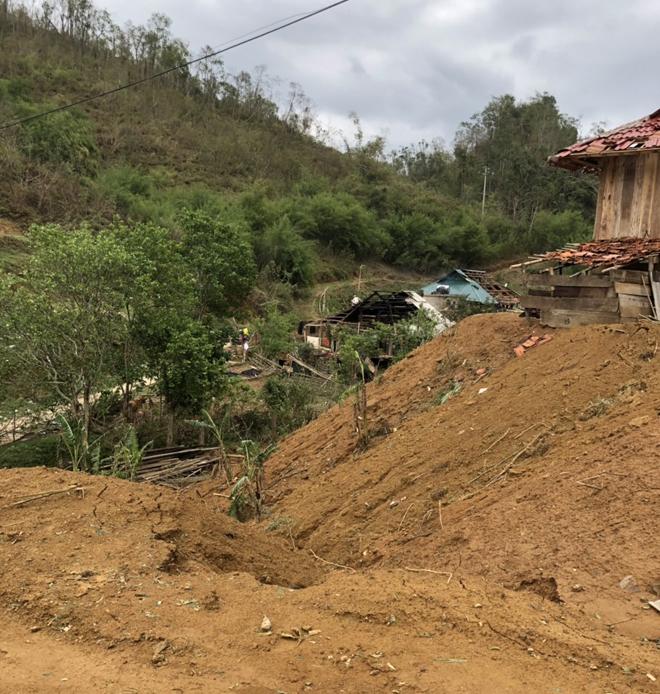 Công an Sơn La giúp nhân dân khắc phục hậu quả mưa đá - Ảnh minh hoạ 6