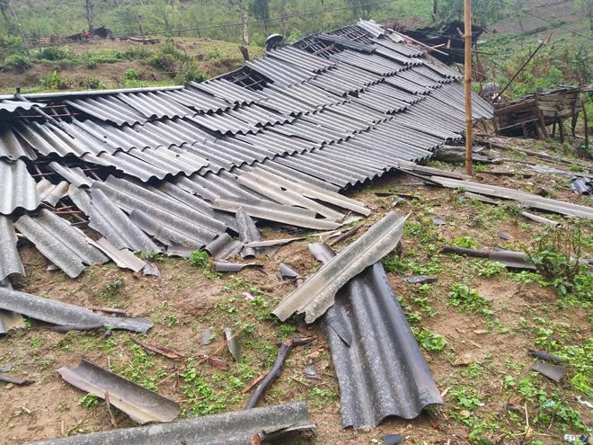 Công an Sơn La giúp nhân dân khắc phục hậu quả mưa đá - Ảnh minh hoạ 2