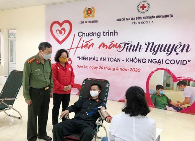 Công an tỉnh Sơn La tổ chức hiến máu tình nguyện - Ảnh minh hoạ 9