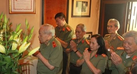 Tri ân các đồng chí cố lãnh đạo Bộ Công an và Công an lão thành