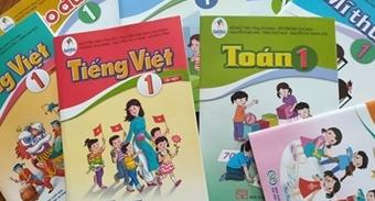 Lựa chọn sách giáo khoa: Cả tỉnh chọn một bộ sách - có bất thường?