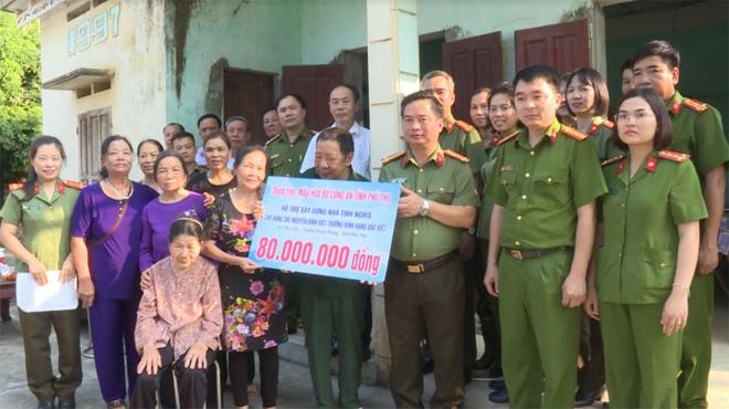 Công an tỉnh Phú Thọ hỗ trợ kinh phí xây dựng nhà tình nghĩa cho thương binh