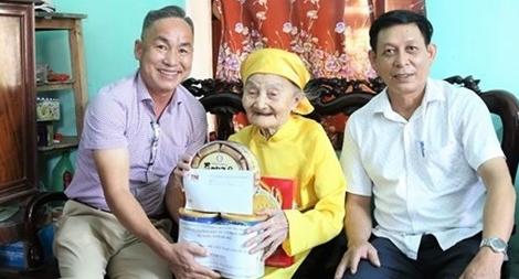 TNG Holdings Vietnam bồi đắp truyền thống uống nước nhớ nguồn cho CBNV