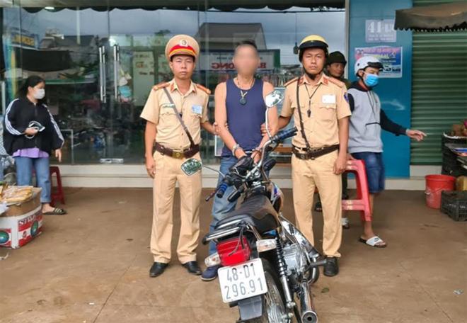 CSGT Công an Đắk Nông kiên quyết đấu tranh với tội phạm trên tuyến giao thông